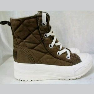 Converse winter boot